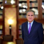 وزیر خارجہ مخدوم شاہ محمود قریشی جرمنی پہنچ گئے،پاکستانی سفیر اور سفارتخانے کے سینئر حکام نے استقبال کیا
